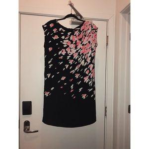 ❌SOLD❌ LOFT black floral print shift dress